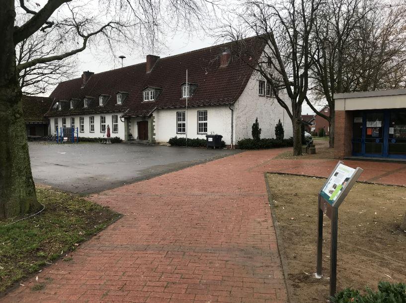 Infostele Alte Grunschule Sünninghausen