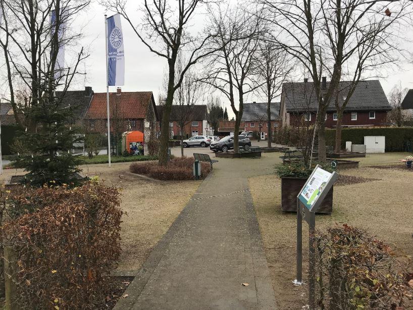 Infostele Dorfplatz Sünninghausen